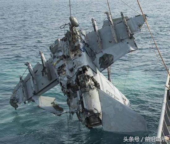 为完成舰载机夜间起降美军付出惨重代价 中国2次完成