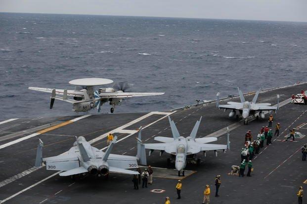 美航母在阿拉伯海再出重大事故 预警机撞坏4架F/A-18