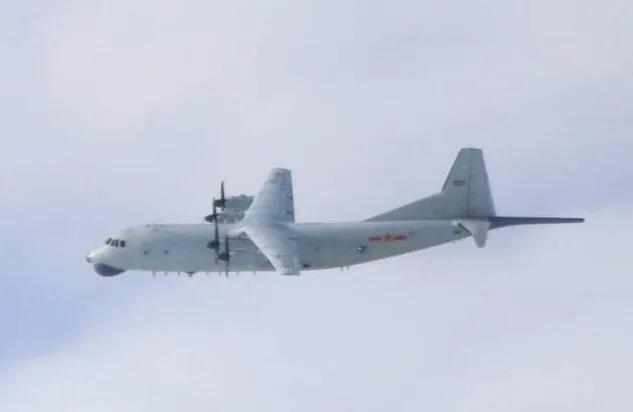 岛内绿媒:美国代表不来台湾 解放军军机却照样来了