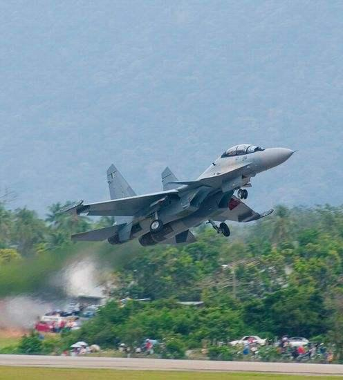 马来西亚国防部长自曝丑闻:只有4架苏30战机能飞
