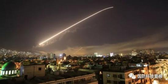 美军介绍对叙军事打击行动 阻止阿萨德再次发动进攻四刻拍案惊奇
