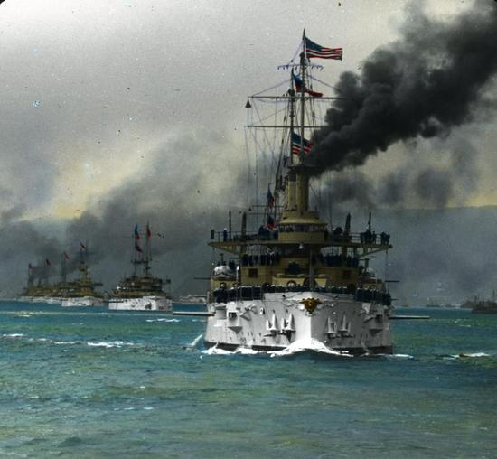 """图注:美国""""大白舰队""""的环球访问活动是一次非常成功的实力展示"""