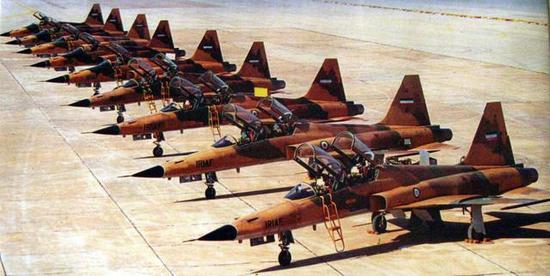 图片:伊朗空军的F-5F机队