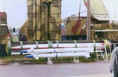 S-400能兼容远中近三种防空导弹