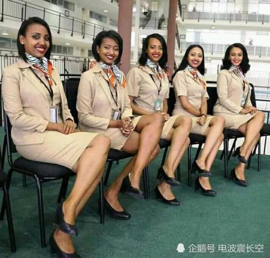 遇难的302航班空乘组
