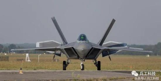 歼20总体隐身性能不比F22差 很多关键技术还有超越
