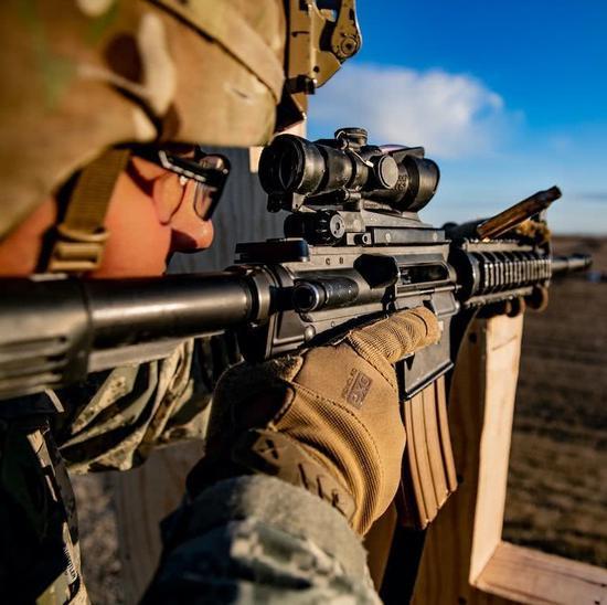 美军新火控系统锁定敌人后自动开火 让打枪如玩游戏