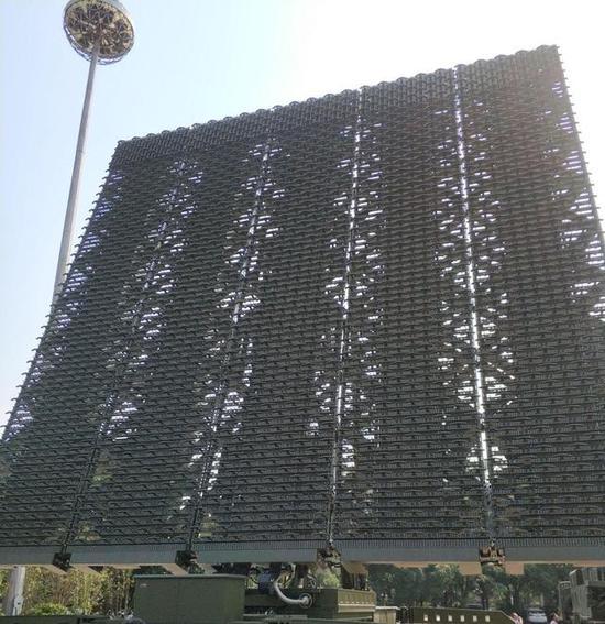 ▲YLC-8B远程警戒雷达