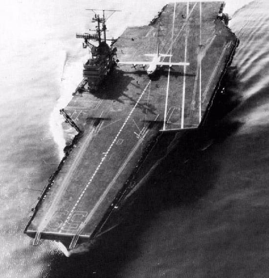 美军C130运输机曾在航母起降 中国运8为何无法实现