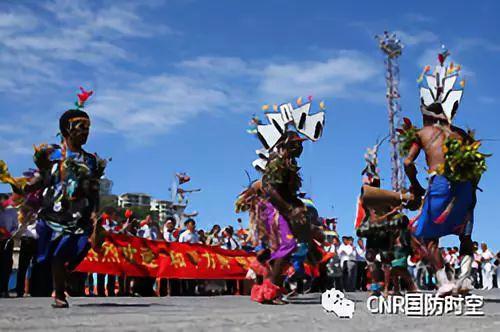 中国和平方舟医院船到访南太岛国 受到当地隆重欢迎cryeye