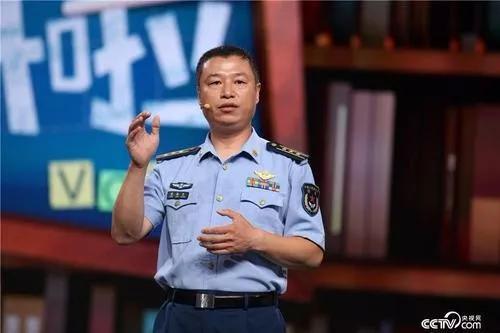 中国空军八一飞行表演队何时才能换装歼20 队长回应