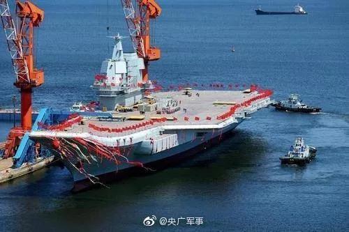"""国产航母正常通过台湾海峡 """"蔡赖配""""怕什么?"""