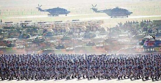 人民军队在新时代迈向现代化,军服也适应了这种需求