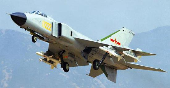 中国空军早期主力战机歼-8
