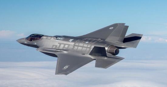 我空军装备换代迎来质变 2030年将名列世界最强之一