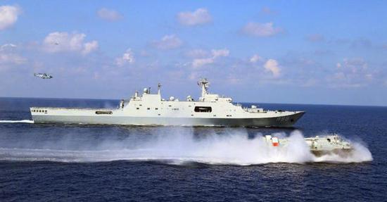 (726系列气垫登陆艇主要与071型综合登陆舰配合使用)