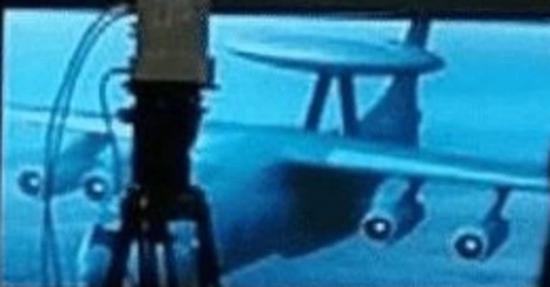 <b>中国新型预警机浮出水面 机体疑为运20(图)</b>