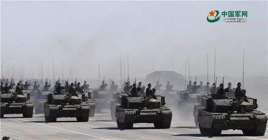 做为重拆甲队伍的中心,99A主战坦克该当仍是2019年阅兵的主要脚色