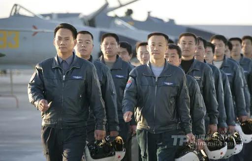 驾战机模拟东风21D弹头!中国反航母有他们的功劳