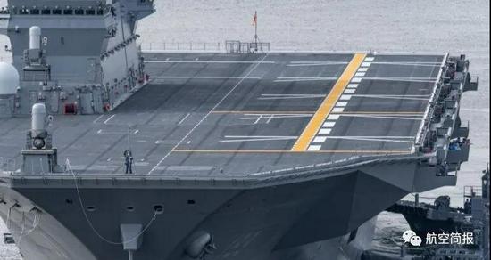 日本出云号直升机驱逐舰完成搭载F-35B第一阶段改装