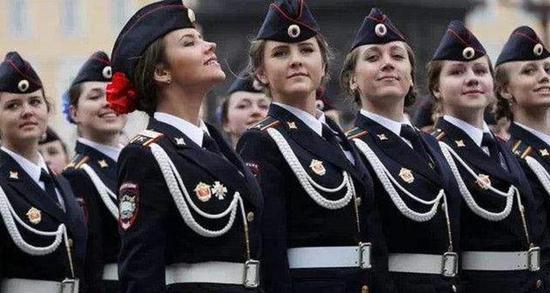 现代俄罗斯女兵