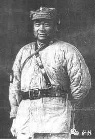这个大块头,就是后来民国著名的基督将军——冯玉祥。