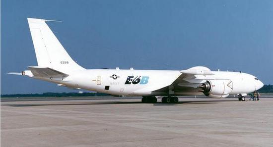 经过强化设计的E6通信中继飞机甚至可以抵御核爆炸的电磁辐射