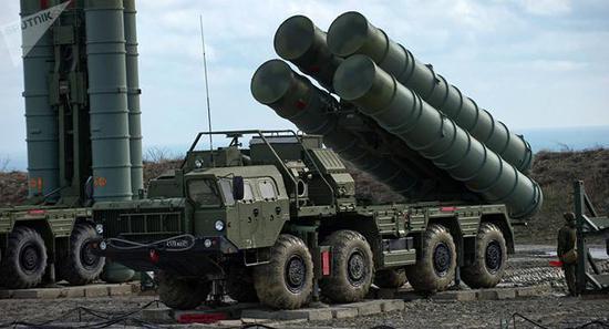 """▲""""万恶之源""""——S-400防空导弹(图片:俄罗斯卫星网)"""