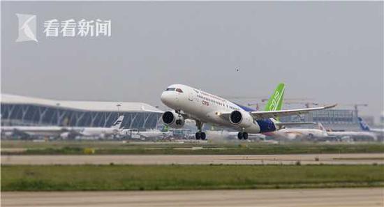 中国2架C919大飞机今日在上海西安两地同步试飞(图)
