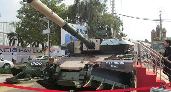 """印度""""阿琼""""Mk-II型坦克。"""