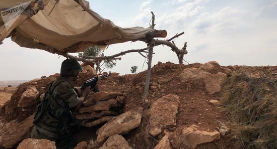 叙亚政府军激战后夺回一重镇 一