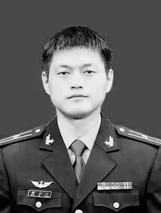 存一送元体验金的娱乐_上海女司机因操作不当与5辆车发生碰擦 致1死4伤