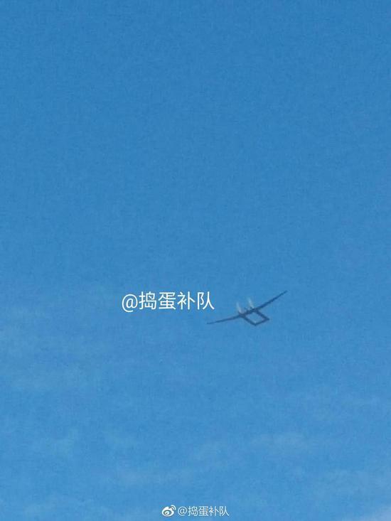 中国最神秘高空反隐无人机首曝飞行照 或能探测F35
