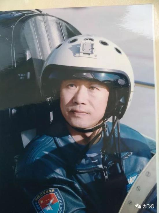 我英雄试飞员讲述驾驶中国唯一三轴变稳飞机惊险经历