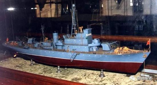 """▲ """"广州""""舰一度有过3门130炮,但很快因为稳性问题拿掉了一门"""