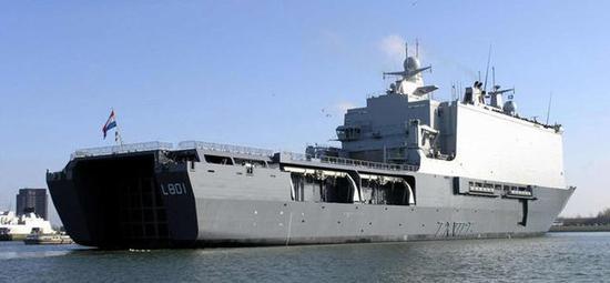 ▲鹿特丹号两栖船坞登陆舰