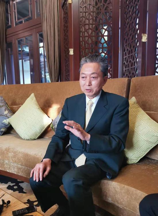 日本前首相:中国对美国 是成熟的像大人一样应对方式