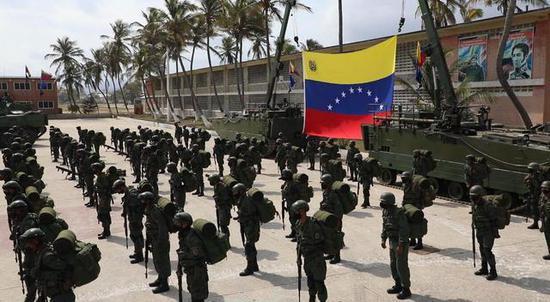委内瑞拉军队和哥伦比亚毒贩交火 哥政府军或卷入