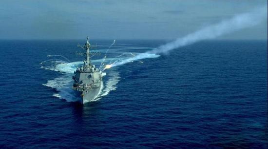规避反舰导弹的伯克舰