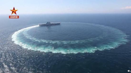 海南舰曝光海上急转弯航行画面 甲板停满直升机(图)