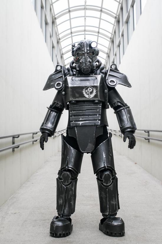 美军:明年开始试验动力装甲 与钢铁侠差不多(图)