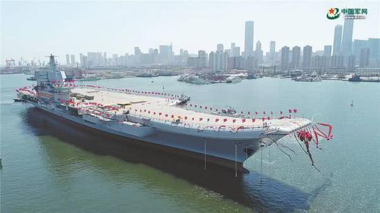 圖爲中國首艘國產航母下水 圖片來源:中國軍網