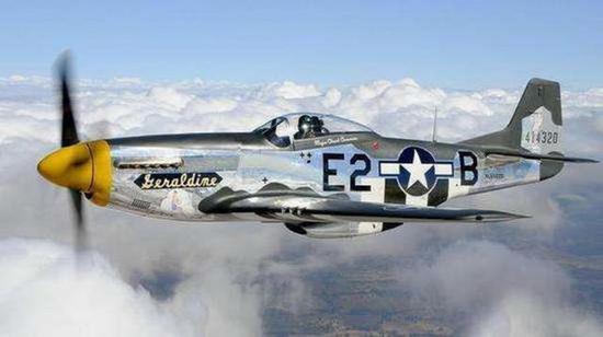 """美军称遭到了德军战斗机部队""""近乎疯狂的拦截"""",一架喷气式飞机以冲撞"""