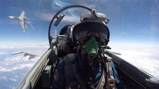 为什么飞行员全是军官没有士兵?看完这篇就懂了