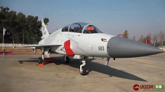 枭龙战机又传喜讯!巴基斯坦空军接装8架双座型(图)