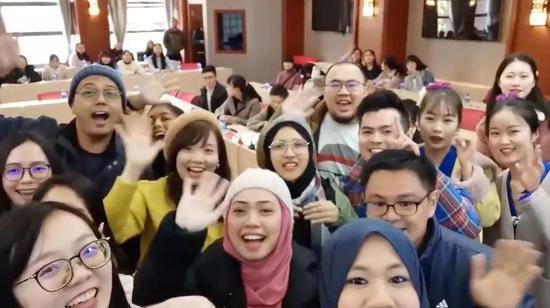 马来西亚青年:我不想再去中国了 怕上瘾