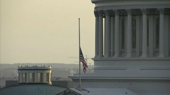 美國國會降半旗 美海軍作戰部長:這是冷峻的一天