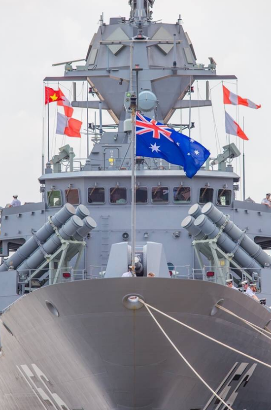 美军航母刚离开越南一个月 澳大利亚军舰就访越(图)