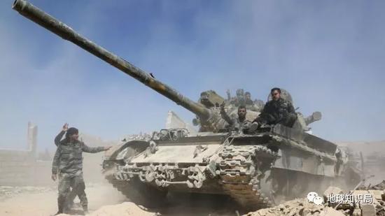 叙利亚政府军向杜马镇推进