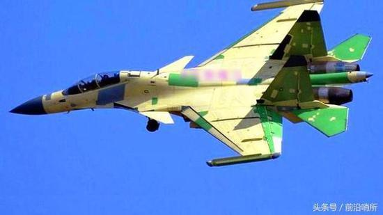 """殲-15D""""咆哮鯊"""""""
